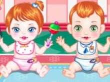 Уход за детьми близнецами