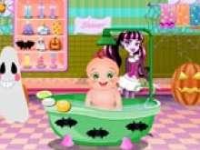 Купание малыша в ванне